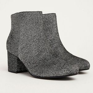 Circus by Sam Edelman wide width Shimmer booties